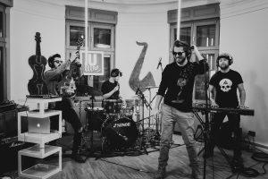 """Trupa Les Elephants Bizarres este de neoprit în maratonul muzical ULive Session cu live-ul piesei """"Nu mă opri"""""""