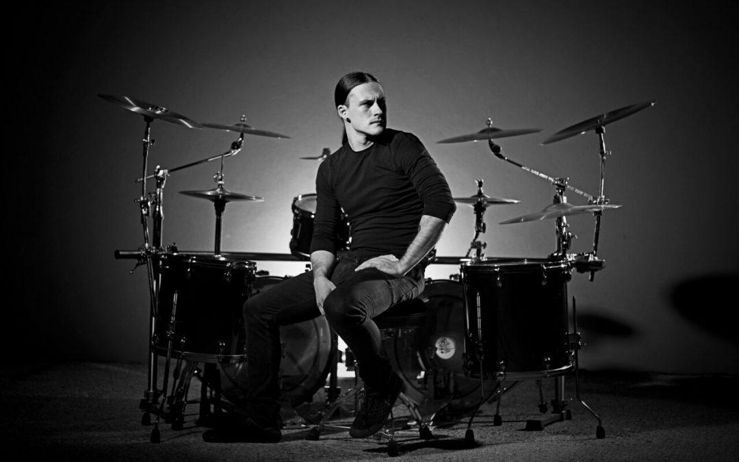 DrumStage: toboșarul trupei Septic Flesh vine în România cu un show special la tobe