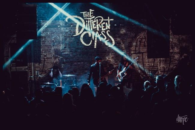 Showcase cu piese noi The Different Class și Melting Dice, pe 29 noiembrie, la Reflektor Venue Timișoara