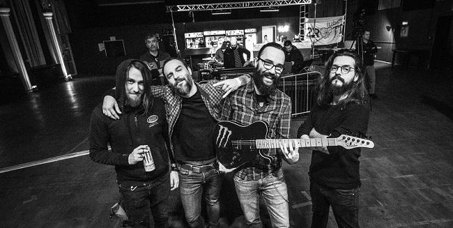 ROADKILLSODA oferă o chitară custom pentru cei care donează pentru #NoiFacemUnSpital