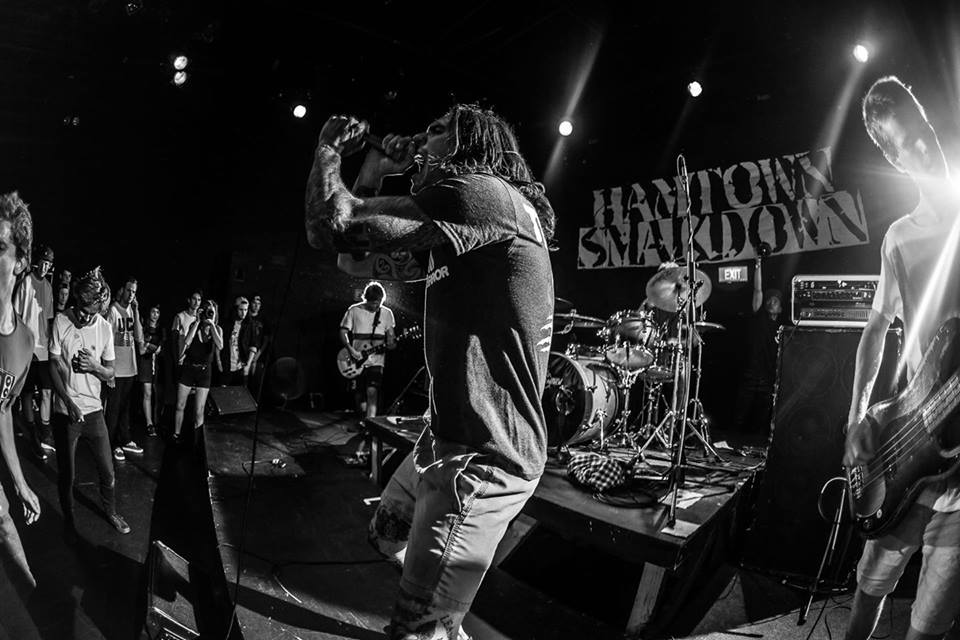 Concert hardcore punk cu trupa Lookin Up din Noua Zeelandă, LIVE în Manufactura