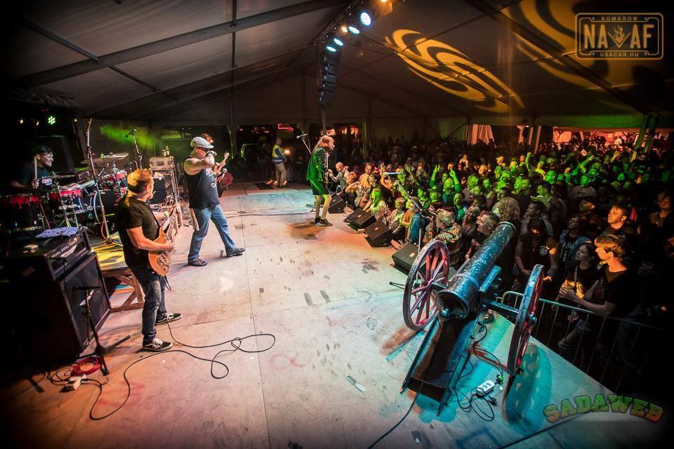 Tribut AC/DC cu trupa AB/CD [Hu] LIVE în Capcana