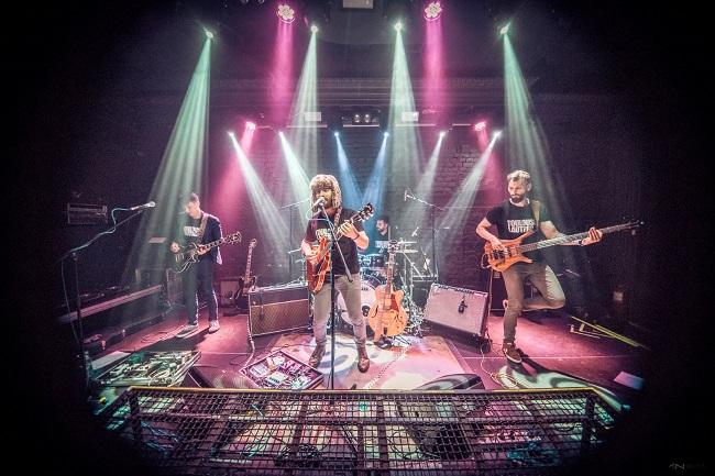 Toulouse Lautrec continuă seria de concerte acustice Backyard Acoustic Season pe 11 iulie pe terasa Expirat Halele Carol